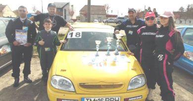 Lugoj Expres Automobiliștii de la Sonic Motorsport Lugoj, pe podiumul primei etape a Campionatului de Automobilism și Karting Timiș Sonic Motorsport Lugoj Lugoj karting Campionatul de Automobilism și Karting Timiș automobilism Lugoj automobilism