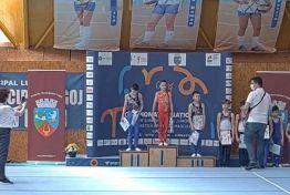 Lugoj Expres Gimnaștii de la CSȘ Lugoj - 20 de medalii la Campionatul Național pentru juniori III Timișoara Reșița medalii juniori III gimnastică Lugoj gimnastică artistică gimnastică CSȘ Lugoj concurs gimnastică Lugoj concurs campionatul național Arad 20 de medalii