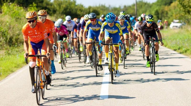 Lugoj Expres Cupa Max Ausnit, la ciclism pe șosea, cu ministrul Eduard Novak printre concurenți. Primăria Lugoj - sponsor principal al evenimentului (60.000 de lei) traseu sprijin financiar sponsor proba de fond proba de contratimp pe echipe primăria lugoj premii ministrul Tineretului și Sportului Eduard Novak ediția a X-a cupa Max Ausnit concurenți ciclism pe șosea bugetul local