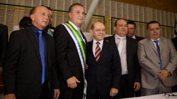 Luis Fernando toma posse e anuncia 10 medidas para o início da reconstrução de Ribamar
