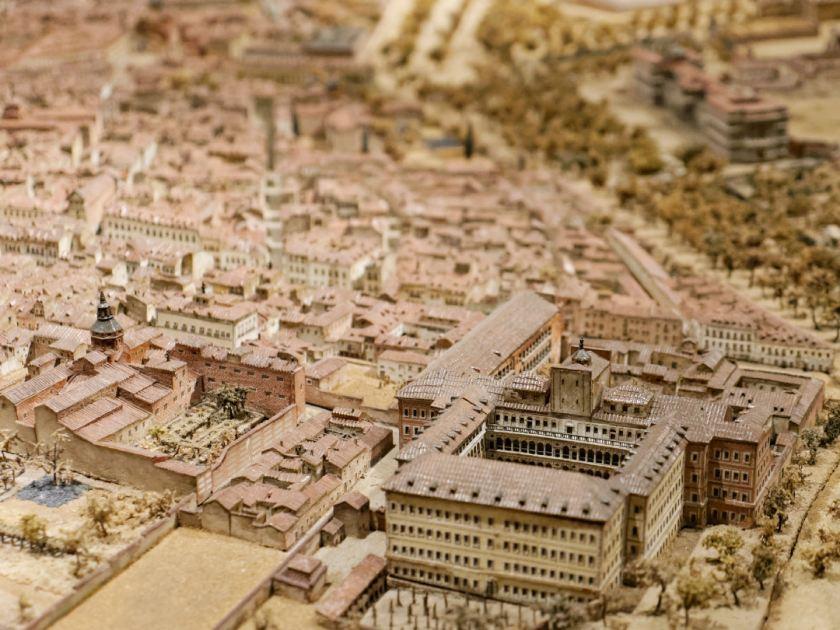 Reproducción a escala de la ciudad de Madrid. Maqueta de León Gil de Palacio en el Museo de Historia de Madrid Fotografía de Luis F. Roncero.