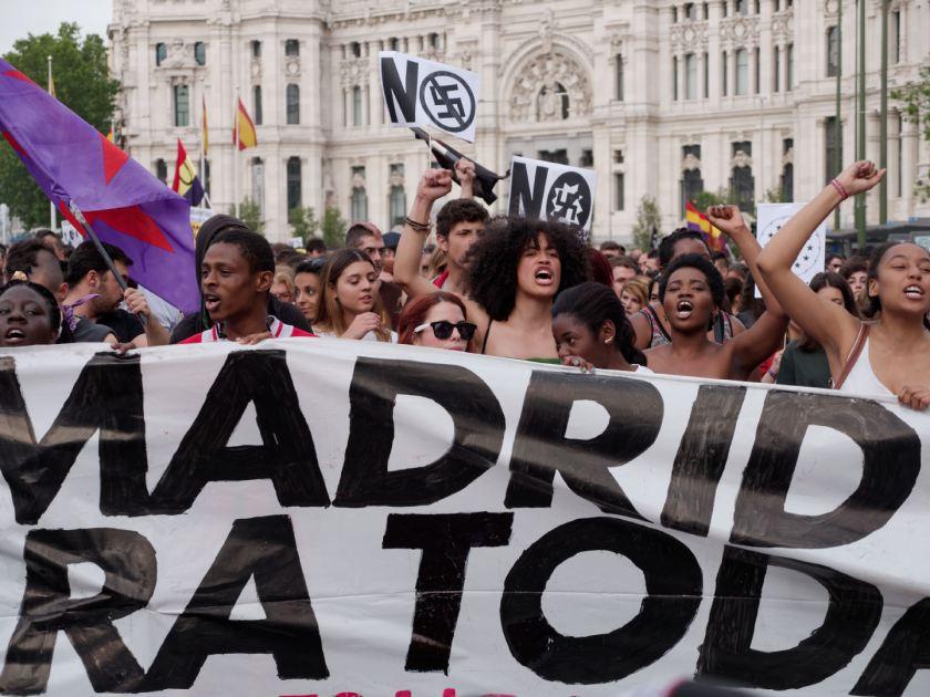 """""""Madrid para todas"""" Manifestación antifascista contra la discriminación, el racismo y el Hogar Social de Madrid. Fotografía de Luis F. Roncero."""