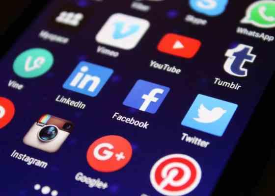 ▷ Adicción a internet y al móvil 16