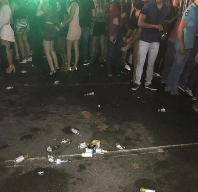 Multidão se afastou após a defecada no local