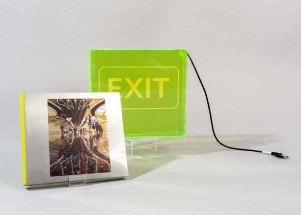 exit_L1190236