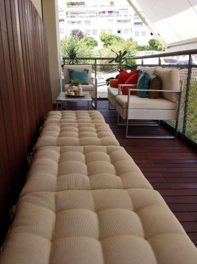 """Cómodos y prácticos contenedores para """"llenar"""" espacios de la terraza."""