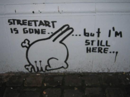 """""""El arte urbano ha desaparecido ...pero sigo aquí"""". (Bruselas)"""