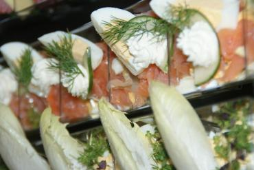 Fingerfood, Geschirrloser Genuss - Flying Buffet