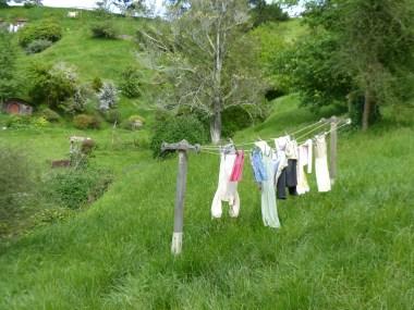 Hobbits muessen auch ihre Kleidung aufhaengen!