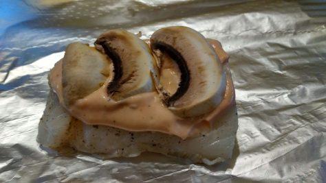 Ryba sos pieczarki - 1 porcja