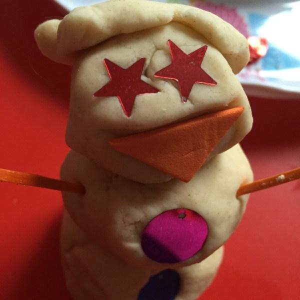 Snowman Playdough winter activity for shape recognition https://lukeosaurusandme.co.uk @gloryiscalling