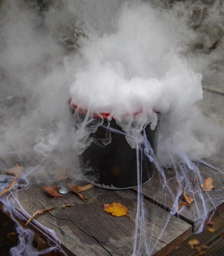 Chillistick's Halloween Fog Pack review at https://lukeosaurusandme.co.uk