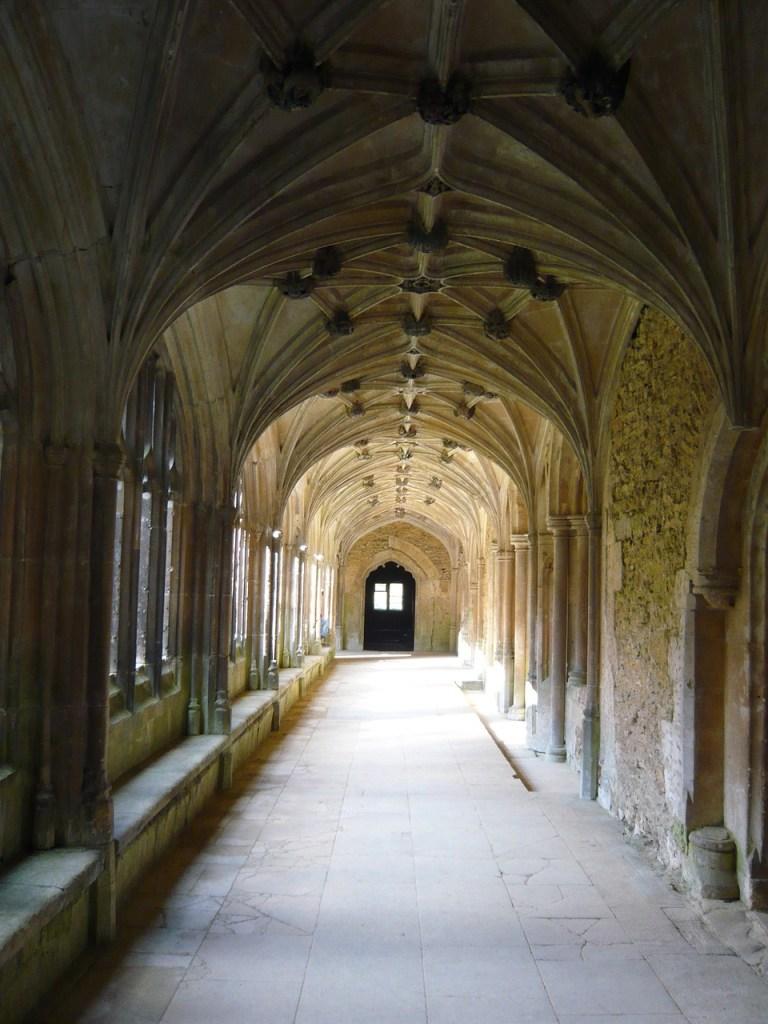 Top 8 places every Potterhead should visit at https://lukeosaurusandme.co.uk Harry Potter fans should visit Lacock Abbey