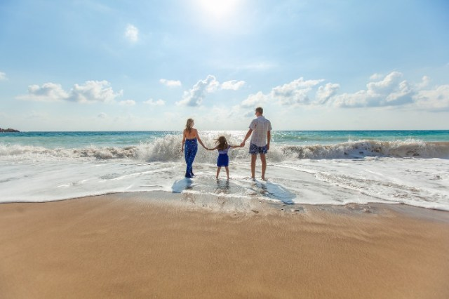 How to afford Luxury Family Holidays on a Budget at https://lukeosaurusandme.co.uk