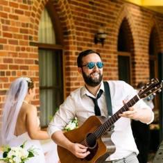 LUKE WEDDING