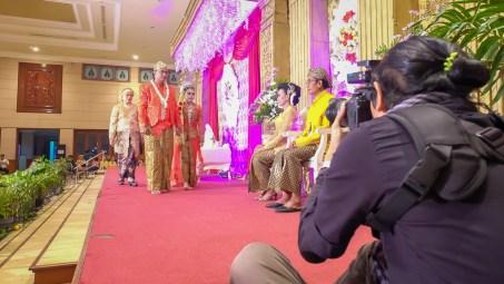 behind the scene foto wedding