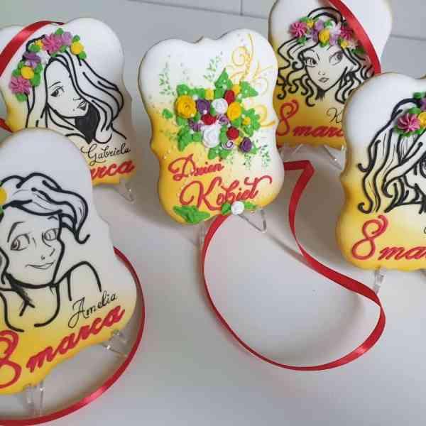 Pierniczki na Dzień Kobiet, personalizowane ciasteczka, upominki 8 marca - Basia sweets