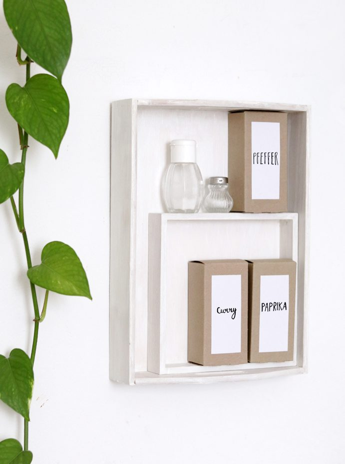 upcycling diy spice rack and