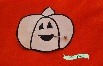 Pumpkin finger puppet step 2