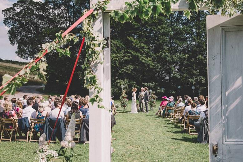 Lulubells-DIY-barn-wedding