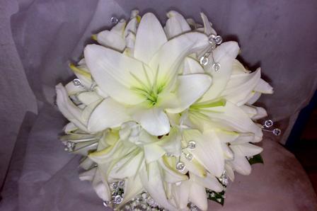 Букет невесты из белых лилий