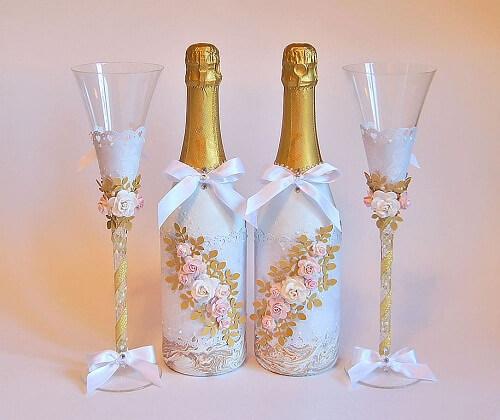 Свадебные бутылки, выполненные в технике декупаж