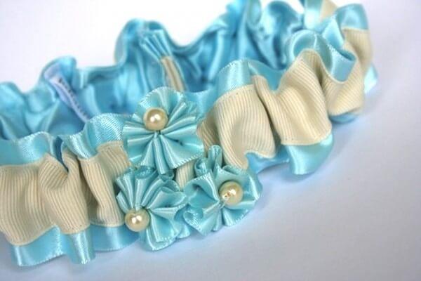 Подвязка в синем цвете