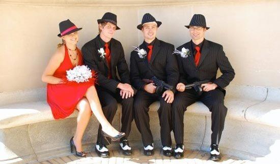 Невеста в красном свадебном платье в стиле чикаго