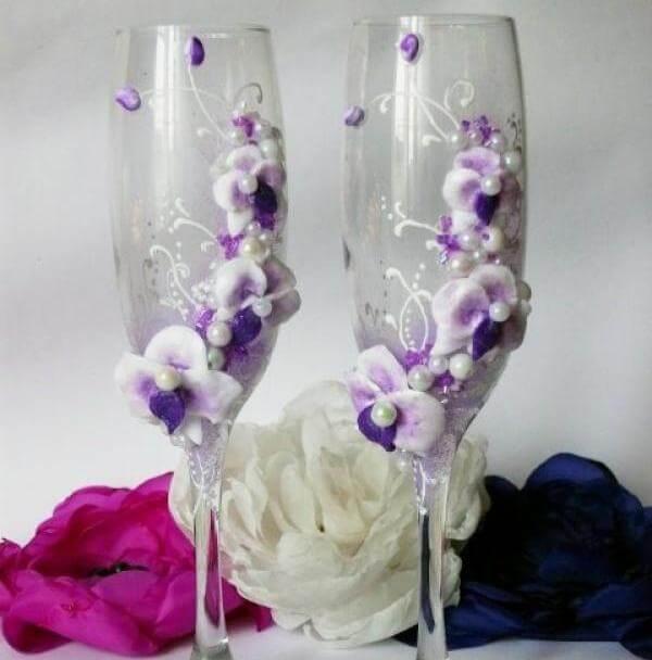 Свадебные бокалы с фиолетовыми цветами