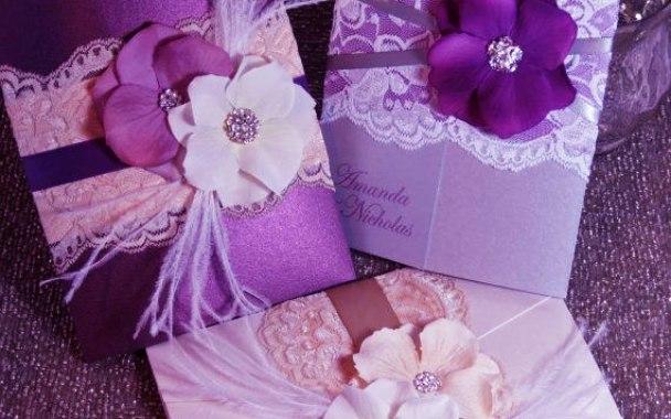 Фиолетовое свадебное приглаение