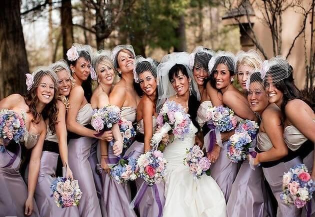 Невесты в сиреневых платьях