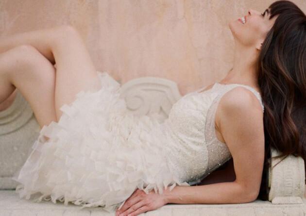 Роскошное дорогое свадебное платье короткое