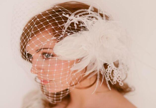 свадебная фата с перьями