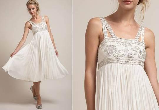 Короткое платье беременной