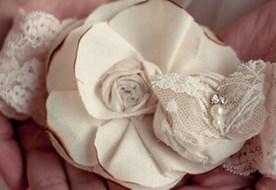 Подвязка невесты своими руками: быстро, легко и эффектно