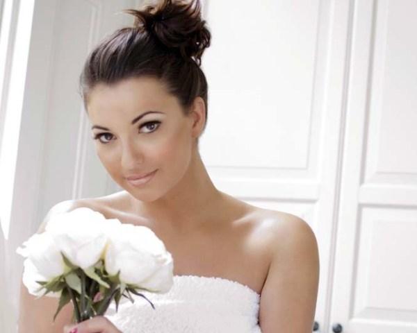 смуглая невеста брюнетка
