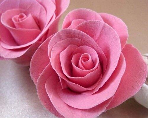 розовые розы из полимерной глины