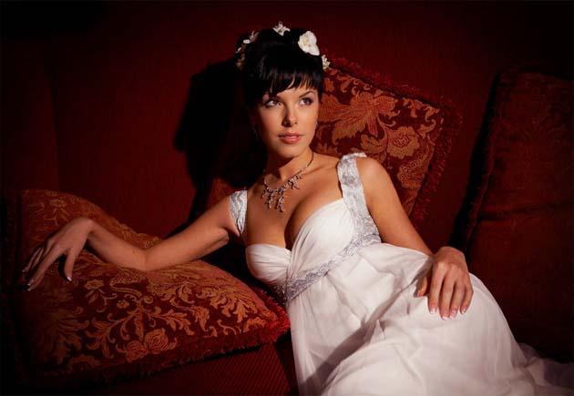 простое свадебное платье в стиле ампир