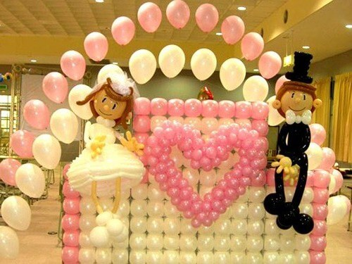 жених и невеста из шариков для моделирования
