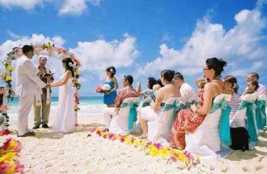 свадьба за рубежом на пляже