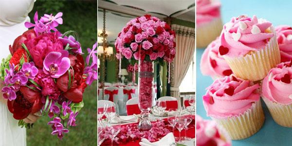 красные и розовые розы в букетах на свадьбе