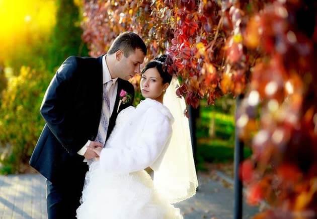 фотосессия - невеста смотрит в объектив