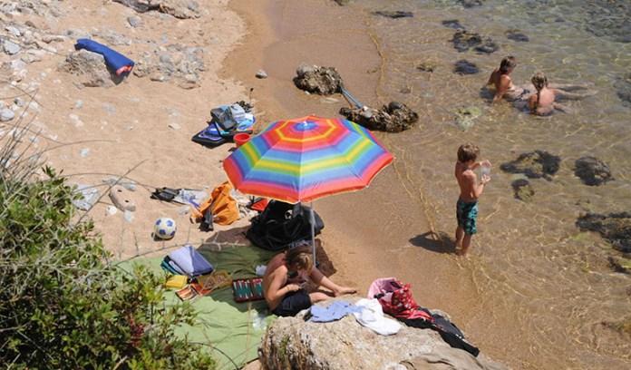 Zauberhafte Buchten, freundliche Menschen und viel, viel Ruhe: Der Peloponnes ist ein 1A-Ziel für den nächsten Familienurlaub!