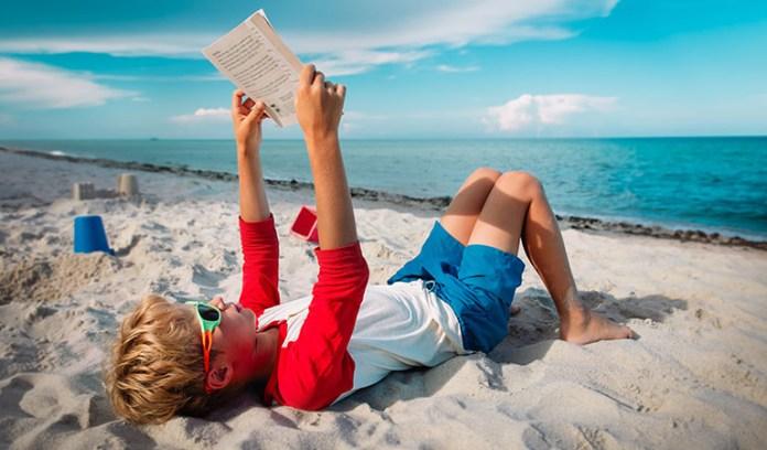 Was macht ein gutes Reisebuch aus? Und welche Lektüre empfiehlt ein echter Fachmann? Wir haben nachgefragt.