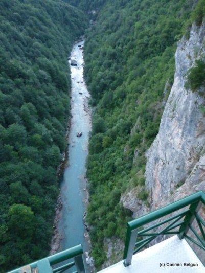 unul dintre cele mai inalte poduri de pe drum