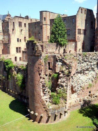 Ruinele castelului