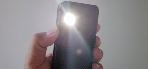 flashlight app on smartphone