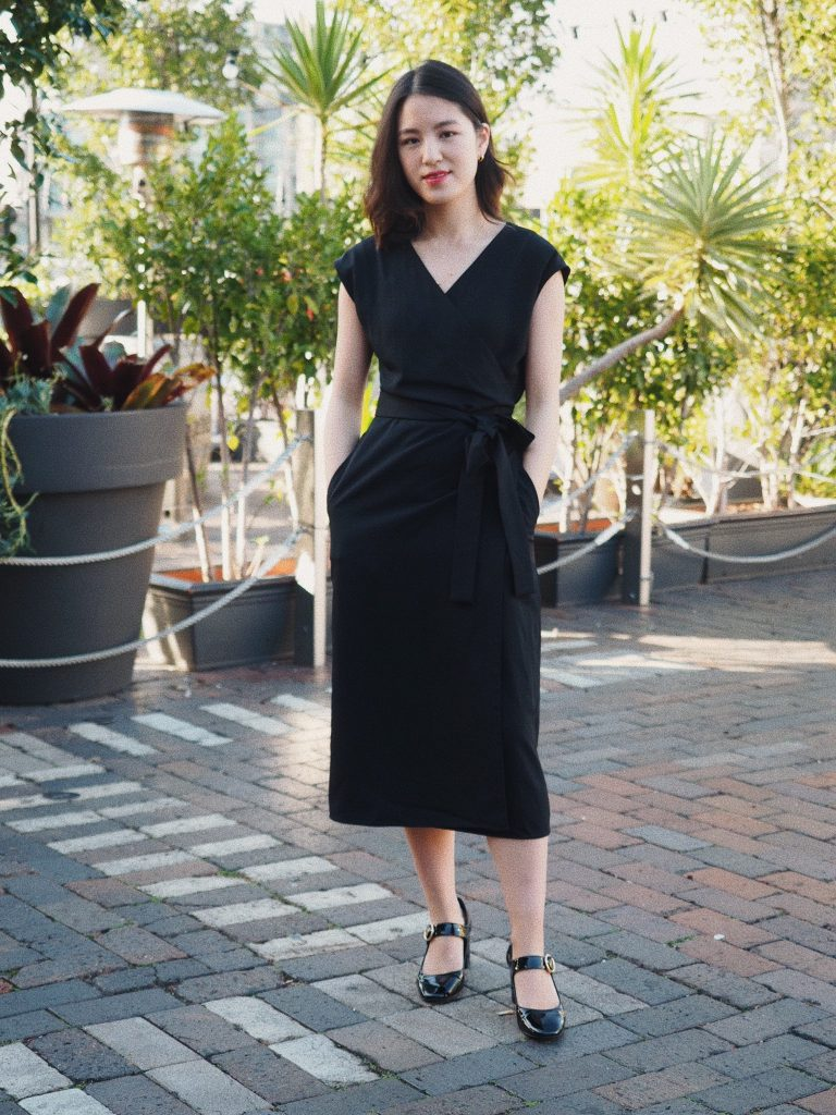 everlane short sleeve wrap dress, review, thoughts, everlane dress review, go weave, LBD, styling the little black dress