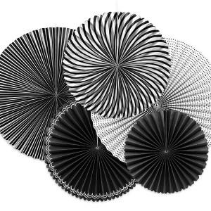 Hvide og sorte rosetter med mønster