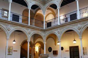 Interior del Parador de Turismo Condestable Dávalos